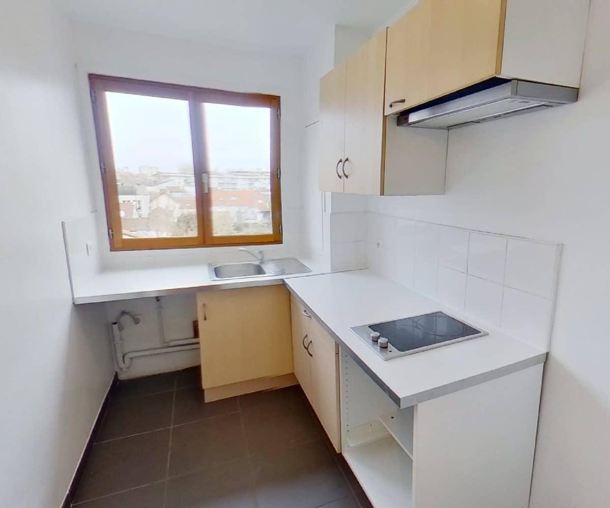 agence immo alfortville: studio 27 m² à louer, cuisine séparée et aménagée, placards