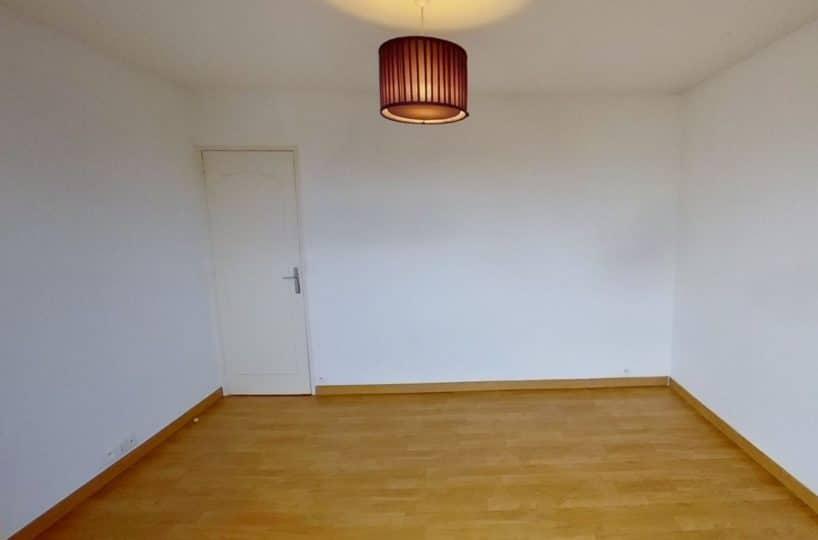 studio a louer alfortville: studio 27 m², belle pièce à vivre, plafonnier, parquet au sol