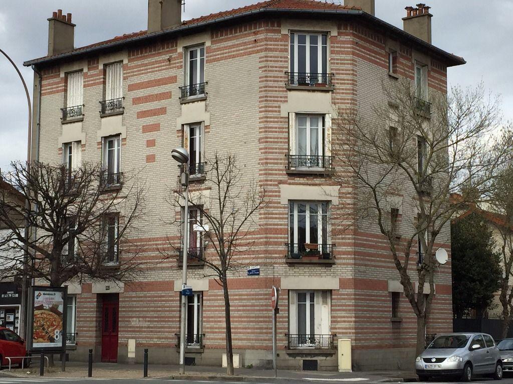 adresse valerie immobilier: studio 24 m² à louer au rez de chaussée, résidence 3 étage