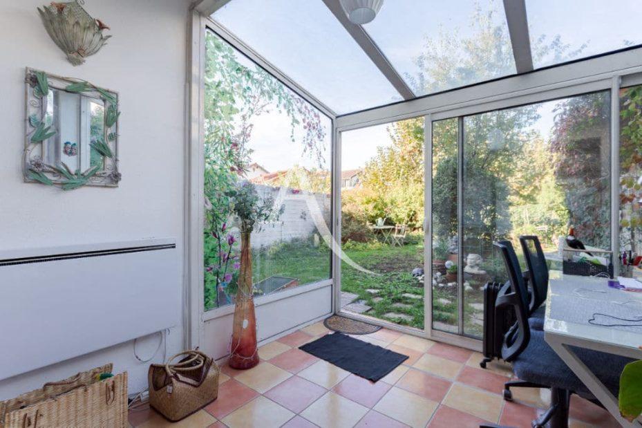 agence immo maisons-alfort: 6 pièces 87 m², belle véranda accès jardin