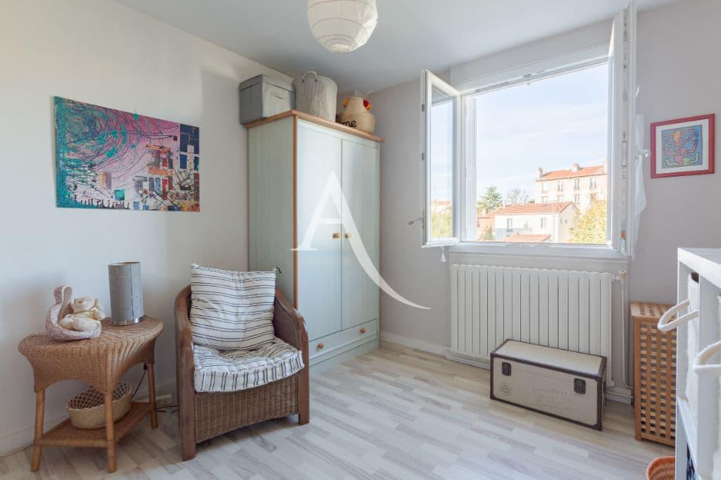 immo maisons alfort: 6 pièces 87 m², deuxième chambre lumineuse fenêtres pvc double-vitrages