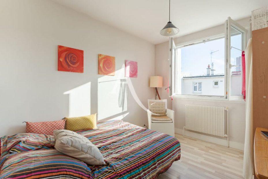 vente maison 94700: 6 pièces 87 m², deuxième chambre double avec rangements