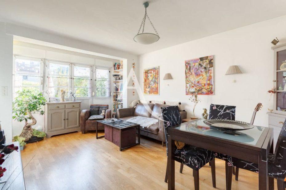 acheter a maisons alfort: 6 pièces 87 m², salon / séjour lumineux accès véranda