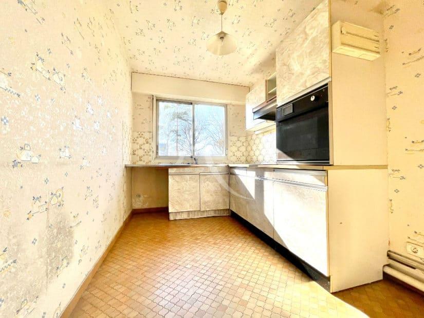 agence immo maisons-alfort: 4 pièces 84 m², cuisine indépendante aménagée