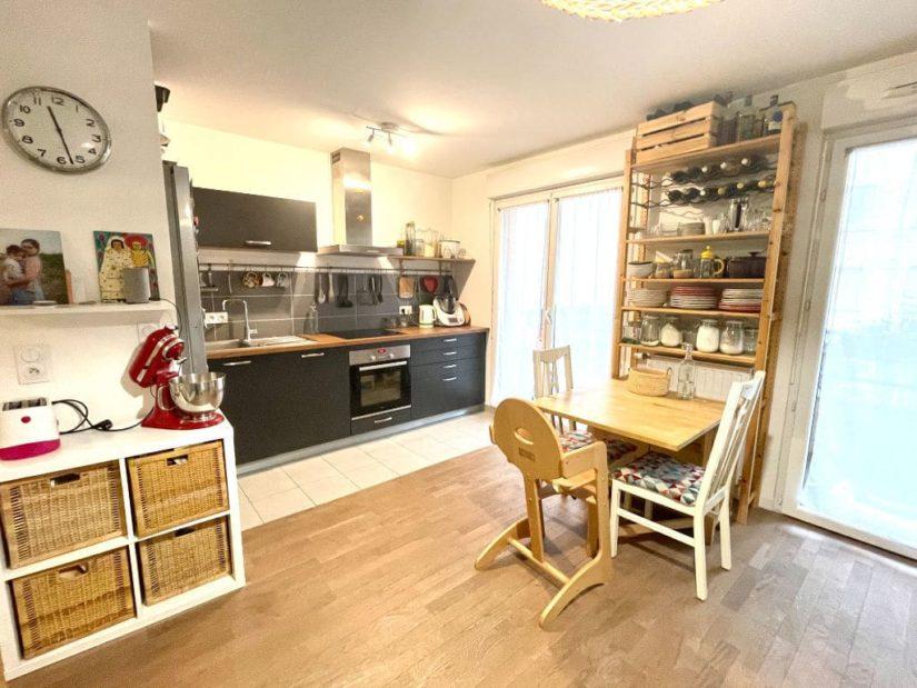 vente appartement maisons alfort: 3 pièces 62 m², cuisine américaine ouverte sur la pièce à vivre