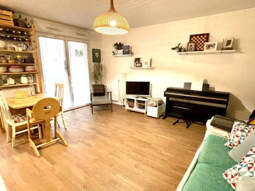 vente appartement maisons-alfort: 3 pièces 62 m², pièce à vivre lumineuse avec balcon