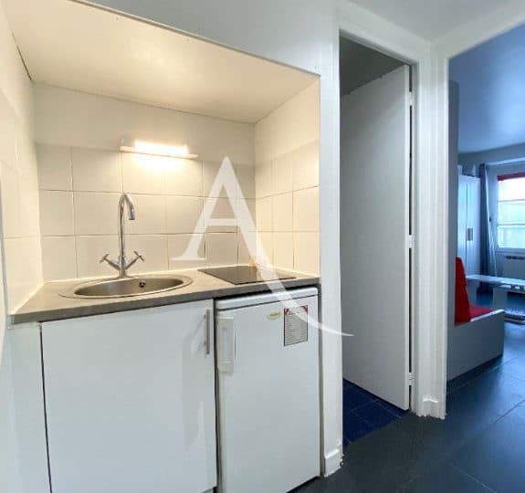 louer studio à charenton-le-pont: studio 19 m², kitchenette aménagée et équipée