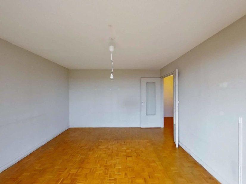 agence immobilière 94: 3 pièces 75 m², beau séjour avec plafonnier