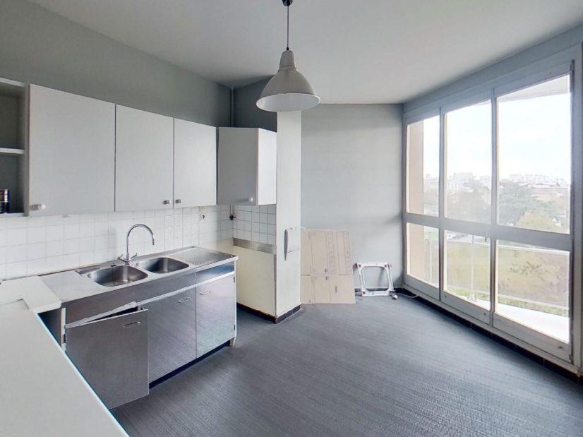 valere immobilier: 3 pièces 75 m², cuisine séparée, aménagée et équipée, balcon