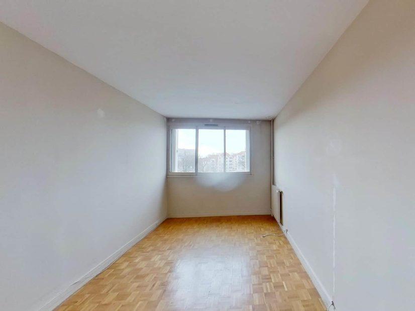 l4adresse: 3 pièces 75 m², 1° chambre à coucher lumineuse avec rangements