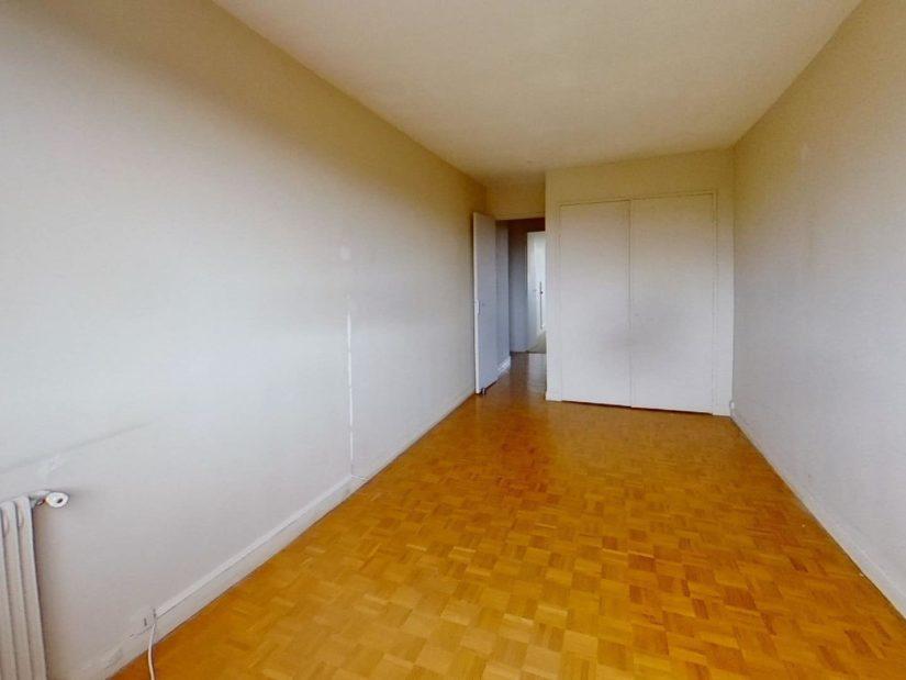 agence immobilière ouverte le samedi: 3 pièces, 1° chambre à coucher, armoire / penderie