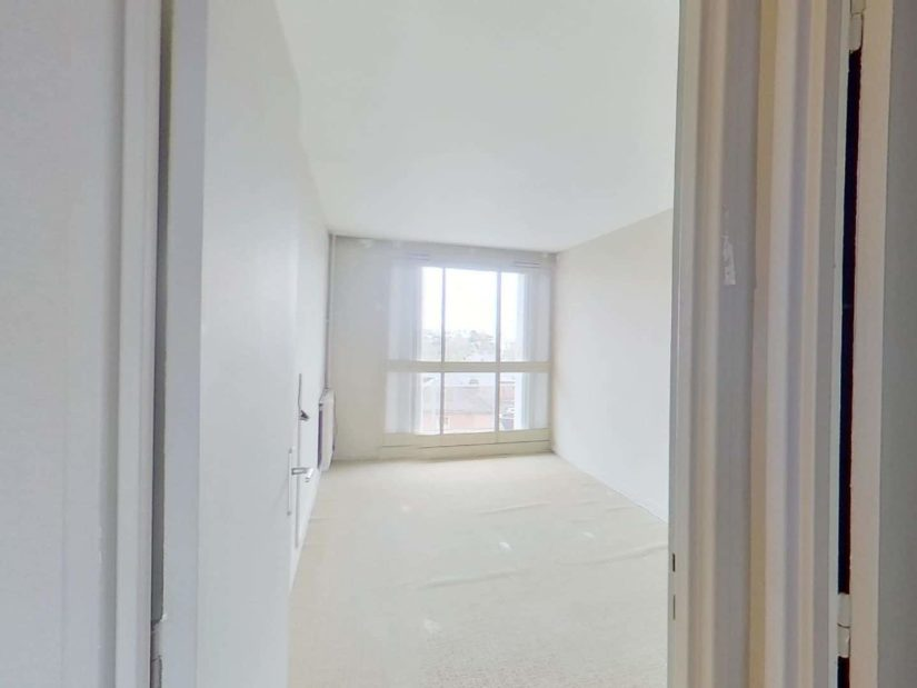 agence d immobilier: 3 pièces 75 m², 2° chambre à coucher avec balcon