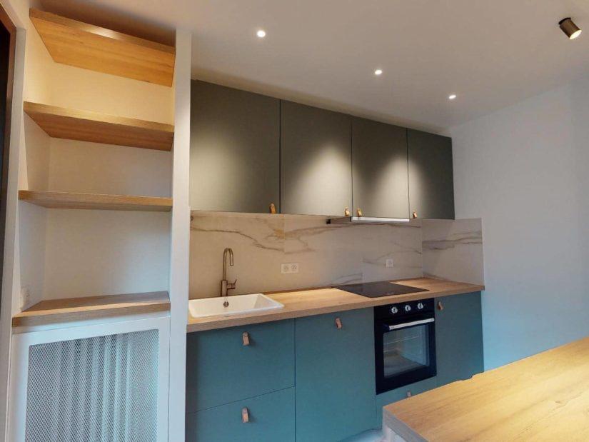 agence immobilière ouverte le samedi: 2 pièces 39 m², cuisine équipée semi ouverte sur le salon