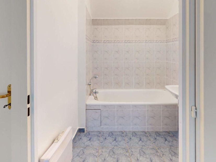maison alfort vente appartement: 2 pièces, salle de bain avec baignoire, état impeccable