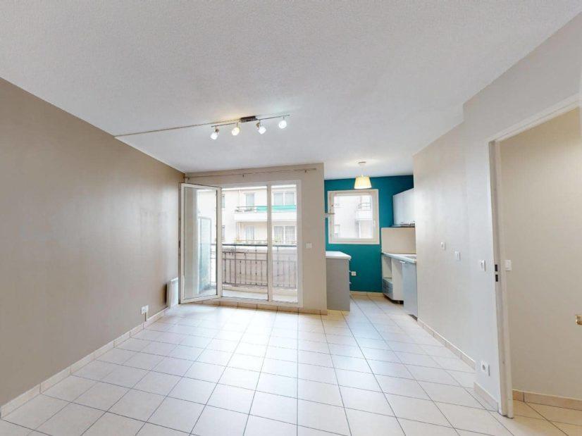 appartement alfortville location: 2 pièces 45 m², grand séjour lumineux avec accès balcon