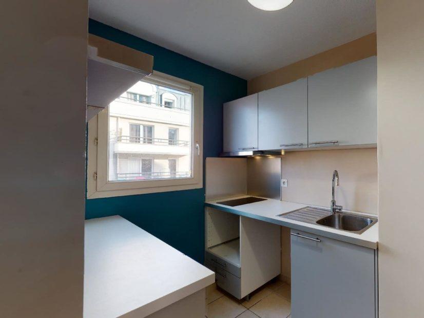 louer appartement alfortville: 2 pièces 45 m², cuisine équipée de plaques et hotte