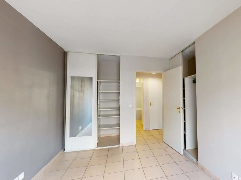 agence immobilière alfortville: 2 pièces 45 m², chambre avec deux dressing