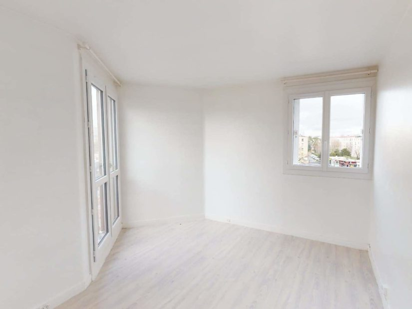 """achat vente appartement: 4 pièces 85 m², séjour avec balcon, cave et parking, métro """"université"""""""