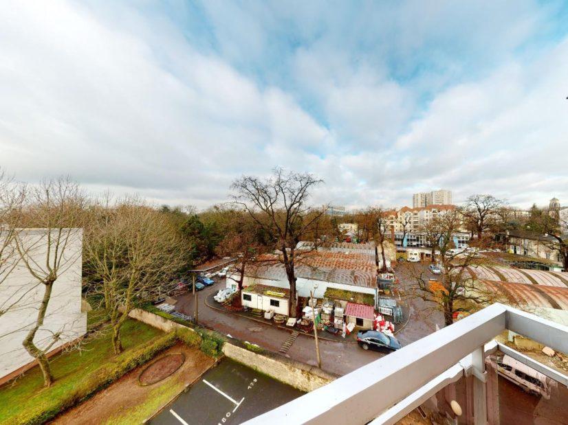 agence immobilière val de marne: 4 pièces², vue du balcon, au 5° étage / 6 avec ascenseur