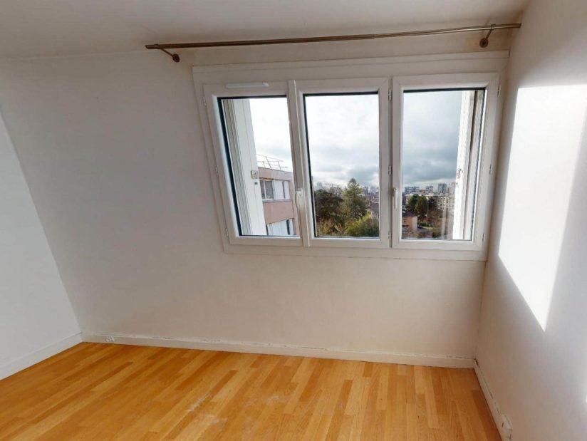 agence immobilière ouverte le samedi: 4 pièces, 2° chambre à coucher, tringle à rideaux