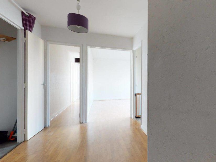 immobilier gestion locative: 4 pièces 85 m², belle entrée menant sur séjour