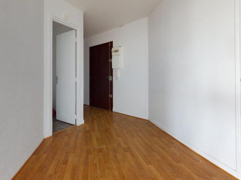 prix vente m2 immobilier: 4 pièces 85 m², hall d'entrée avec débarras