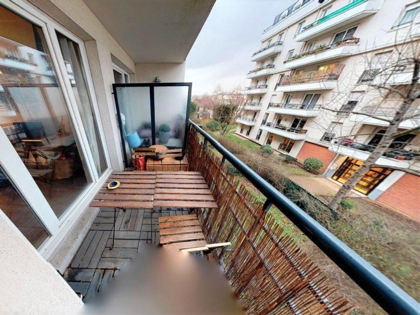 agence immo alfortville: vente 2 pièces 45 m², séjour avec baie vitrée donnant sur balcon filant, secteur nord