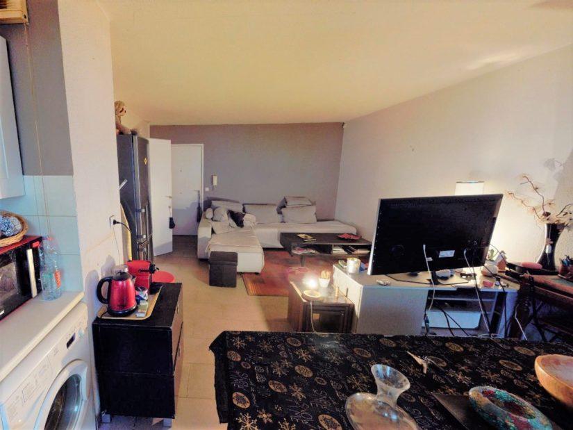 agence alfortville: 2 pièces 45 m², séjour avec coins bureau et cuisine ouverte