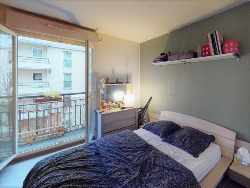 appartement a vendre alfortville: 2 pièces 45 m², chambre à coucher lumineuse avec balcon