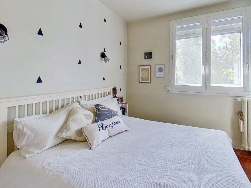 vente appartement 94220: 3 pièces 50 m², 1° chambre à coucher lumineuse