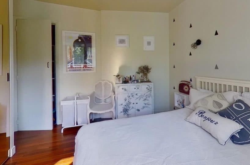 vente appartement charenton: 3 pièces 50 m², 1° chambre à coucher, applique murale