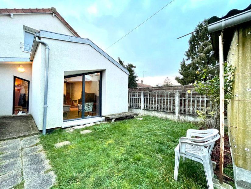 point de vente immobilier: 3 pièces, extension d'un séjour, terrain 240 m²