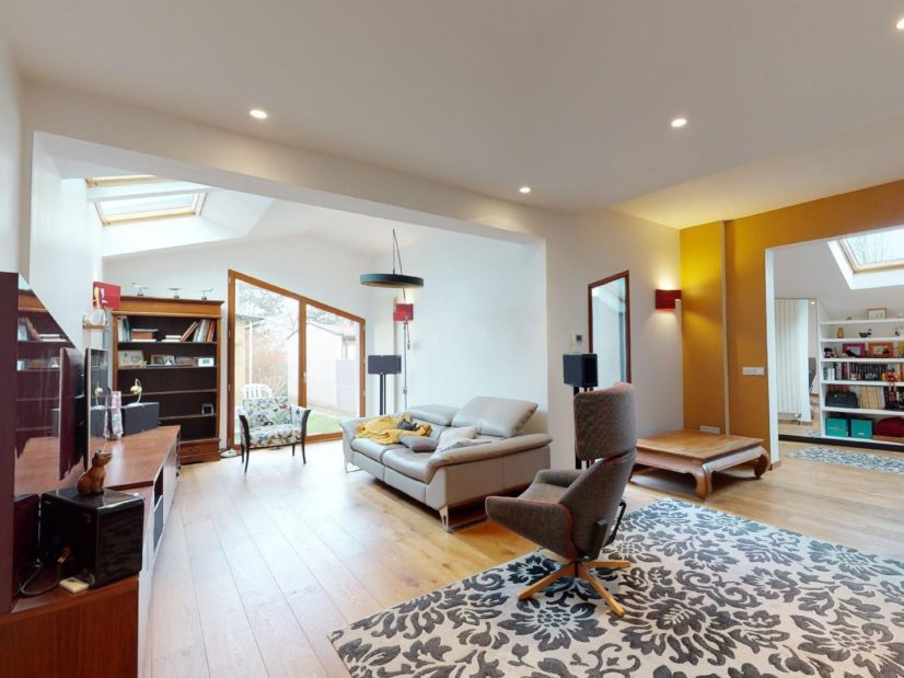 vente de pavillon dans le 94: 3 pièces 90 m², pièce principale donnant sur le jardin,  proche du parc de rancy