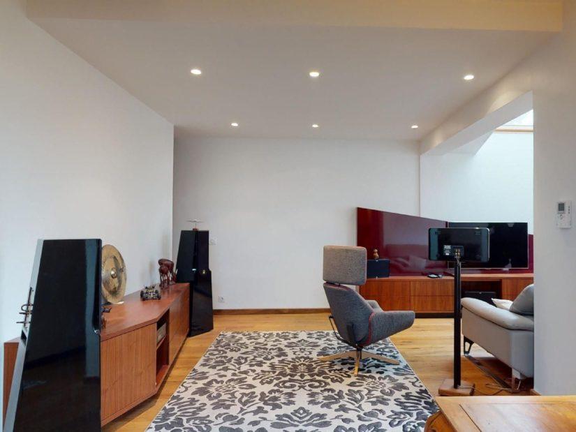 agence immobilière 94: 3 pièces 90 m², pièce à vivre avec plafonnier design