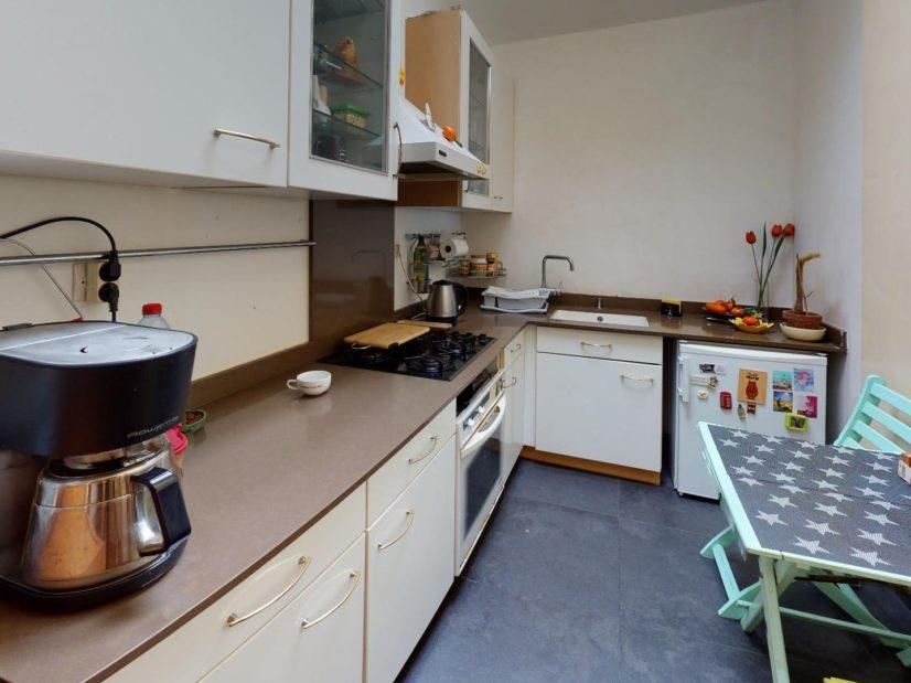 estimation en ligne maison: 3 pièces, cuisine équipée de plaques de cuisson, four, hote