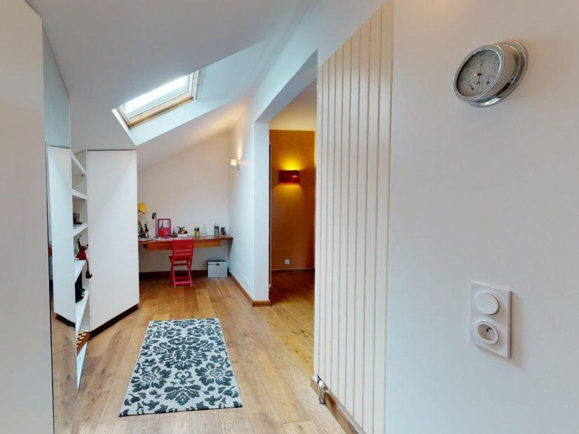 virginia gestion: 3 pièces 90 m², à coté du séjour, espace bureau aménagé