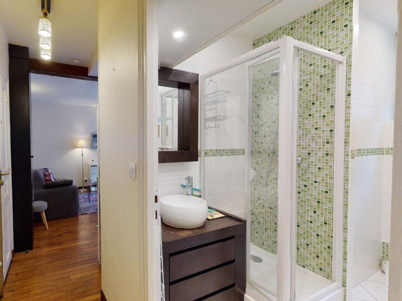 louer appartement à alfortville: 2 pièces 35 m², salle d'eau moderne avec douche et wc