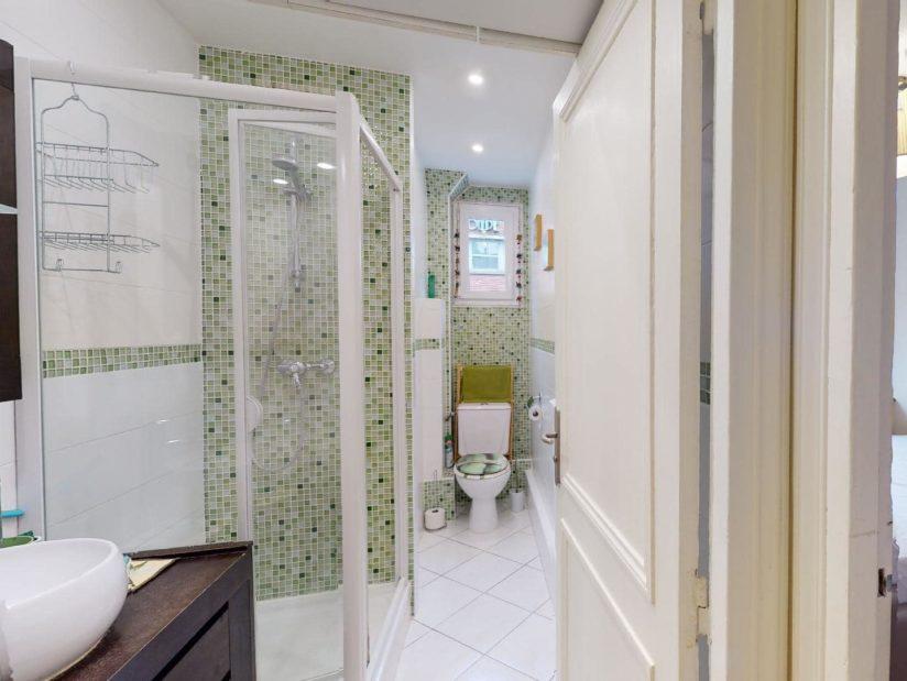 alfortville appartement location: 2 pièces 35 m², salle d'eau avec douche, portes vitrées