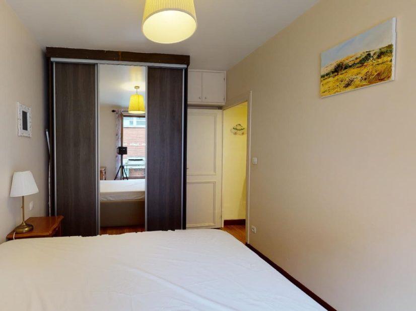 alfortville immobilier: 2 pièces 35 m², chambre à coucher meublée, lit double, penderie