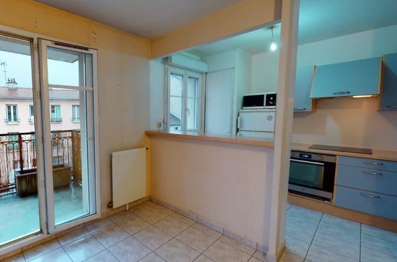 location par agence alfortville: 2 pièces 41 m², grand séjour lumineux avec accès balcon vue dégagée