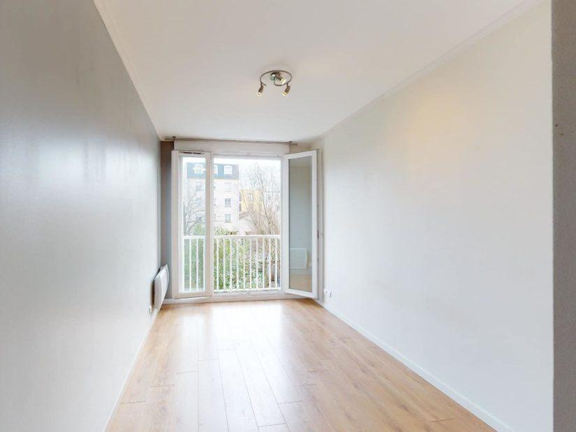 appartement alfortville: 4 pièces, 1° chambre, prises électrique, télévision, téléphone