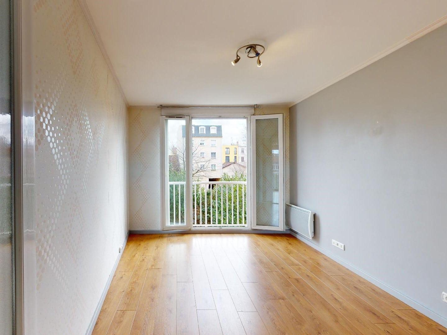 alfortville appartement location: 4 pièces, 2° chambre à coucher lumineuse, ressing