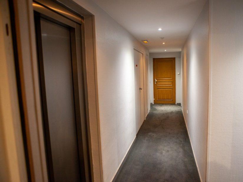 se loger alfortville: 4 pièces 78 m², entrée avec placard, spots au plafond