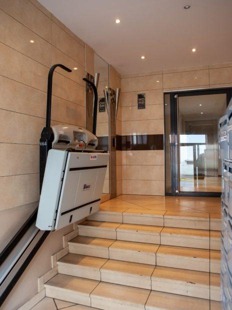adresse alfortville: 4 pièces, fauteuil monte-escalier pour handicapé moteur