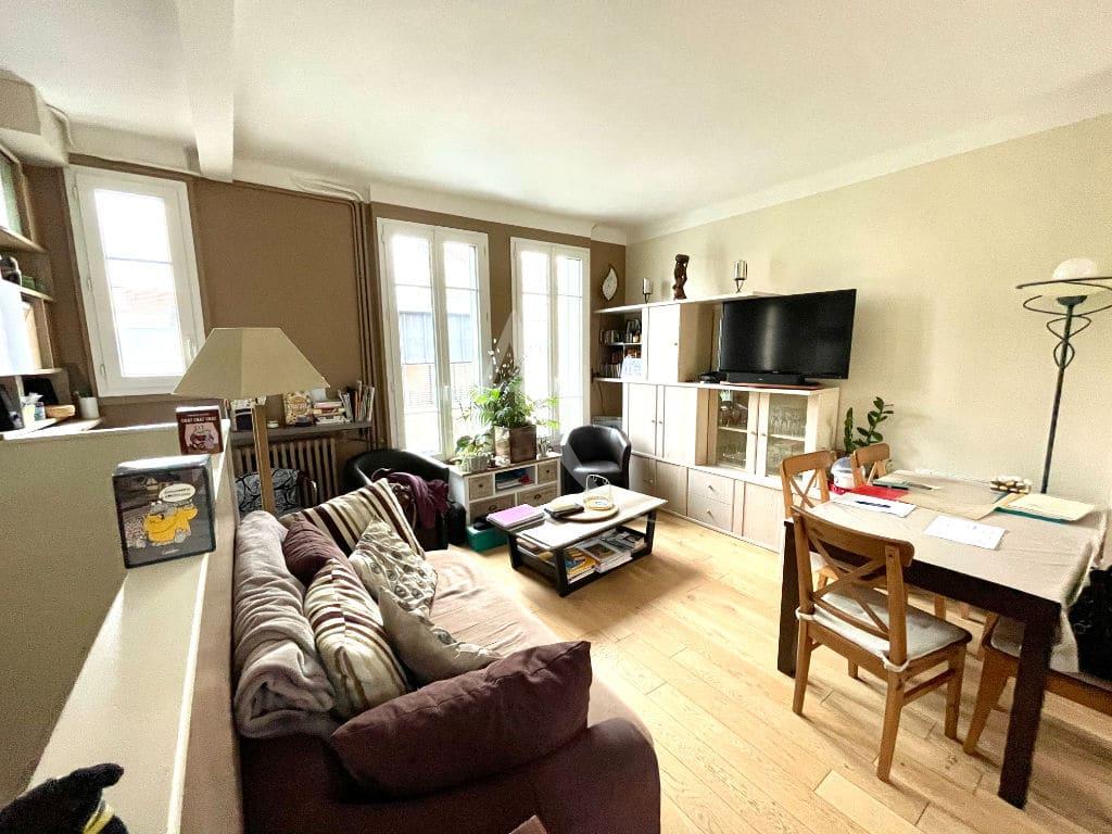 immo maisons alfort: 4 pièces 74 m², joli séjour traversant avec son coin repas