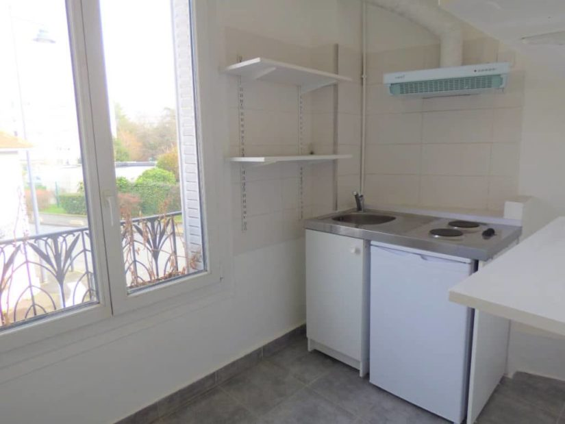 location studio maisons-alfort: 21 m², cuisine indépendante aménagée, rue de strasbourg