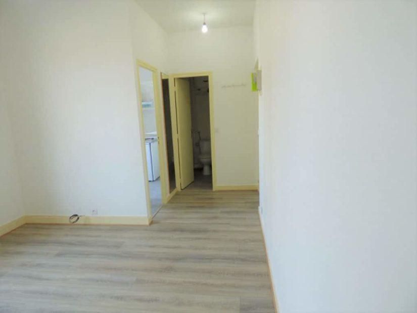 louer studio à maisons-alfort: beau 21 m², bien agencé, au calme dans petite résidence