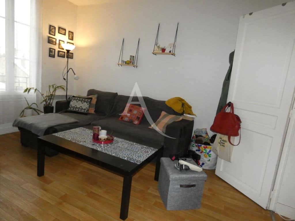 agence alfortville: 2 appartements de 30 m² chacun, séjour avec parquet au sol, centre ville