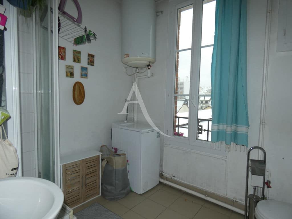 agence immobilière alfortville: 2 x 2 pièces 30 m², salle d'eau avec douche et wc