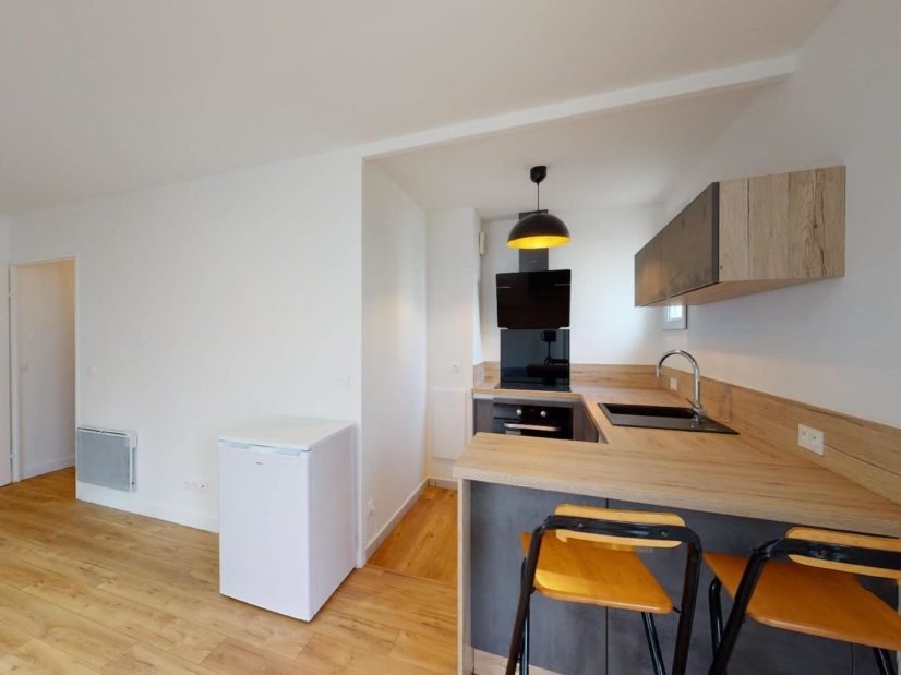 louer studio à maisons-alfort: 33 m², cuisine ouverte, aménagée et entièrement équipée